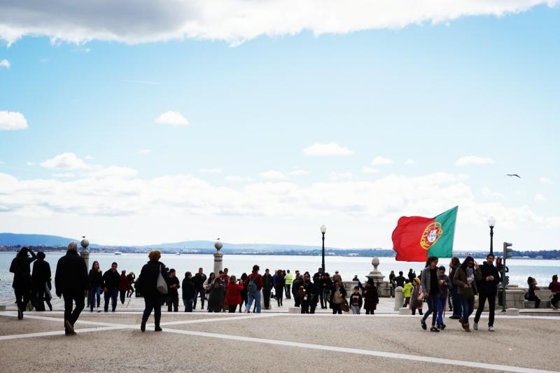 Aikštėje prie Težo ežero Portugalijoje