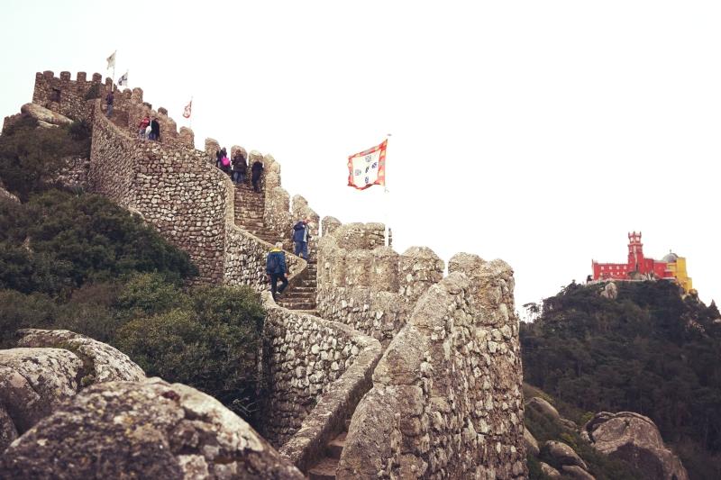 Maurų pilies vaizdai