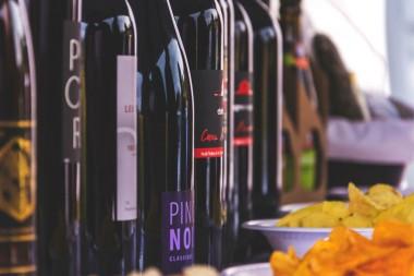 Itališkas vynas ir užkandžiai