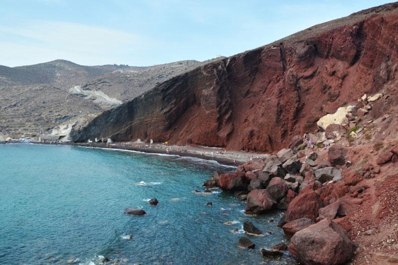 Spalvoti paplūdymiai Santorini saloje