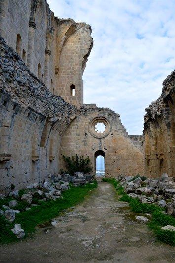 Įspūdingi griūvėsiai Kipre