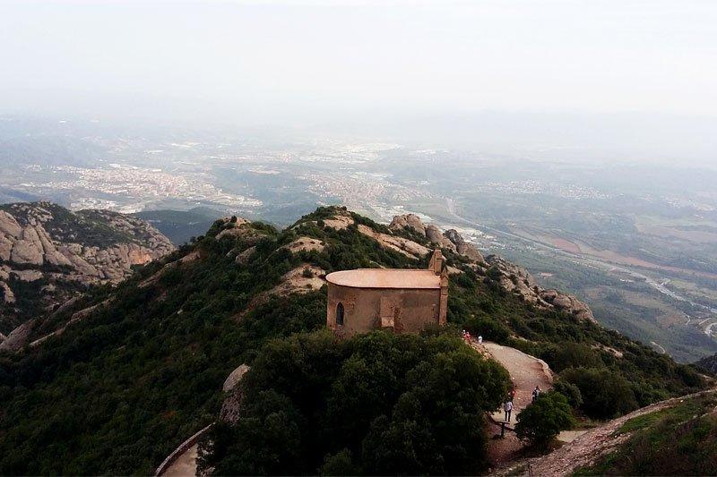 Moncerato Vienuolynas, nuotrauka iš viršaus