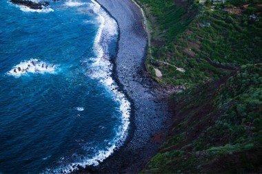 Tenerifės pakrantė, skalaujama Atlanto vandenyno