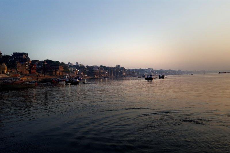 Varanasi, Gangas. Saulėlydis plaukiant upe