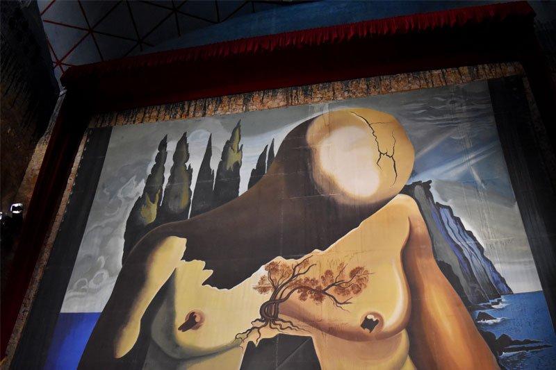 Galos atspindžiai Salvador Dali paveiksluose