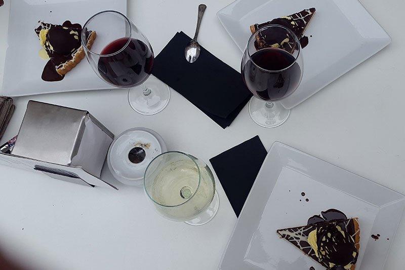 Vynas ir desertai