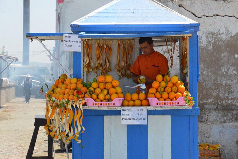 Apelsinų sulčių pardavėjas, Marokas